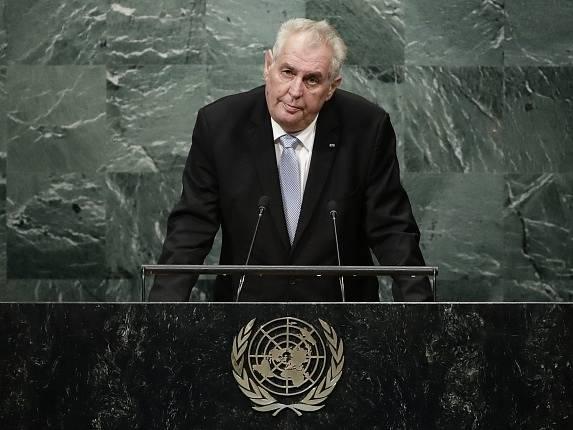 Miloš Zeman kritizoval světové společenství za nedostatek aktivity v boji proti mezinárodnímu terorismu.