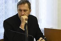 Na snímku je ředitel české pobočky TI David Ondráčka u Krajského soudu v Praze.