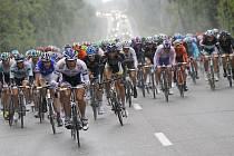Čtvrtou etapu Tour de France provázel déšť.