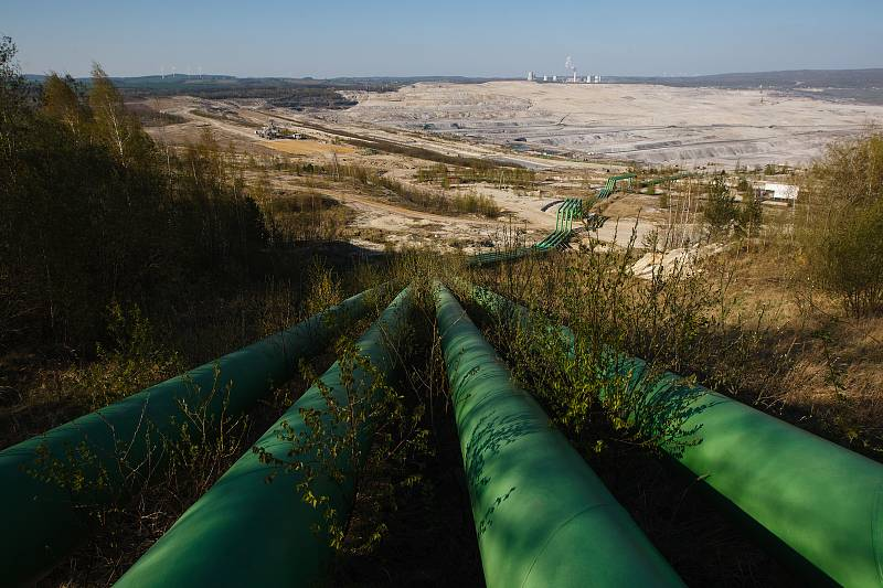 Polský hnědouhelný důl a elektrárna Turów.