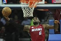LeBron Jemes opět režíroval výhru Miami.