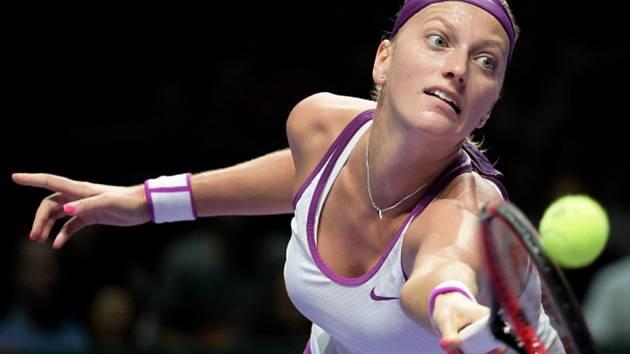 Petra Kvitová ve finále Turnaje mistryň proti Agnieszce Radwaňské.
