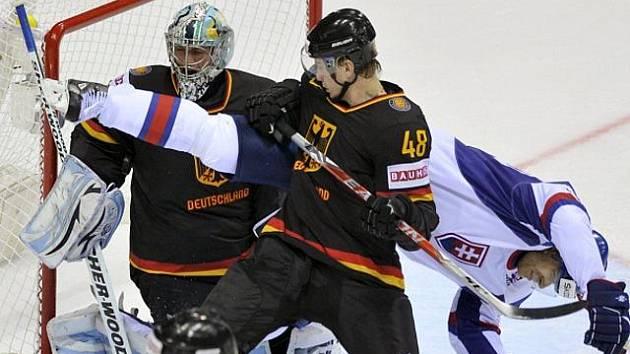 2061c11e3a94d Výsledky hokejového mistrovství světa na Slovensku z neděle 1. května 2011:  Rusko - Slovinsko ...