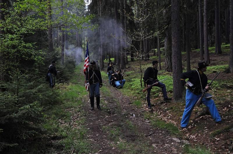 Vzpomínku na Jakuba Kakušku i na další Čechy v občanské válce dnes uchovávají reenactoři
