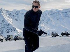Agent 007 (Daniel Craig) v nové bondovce.