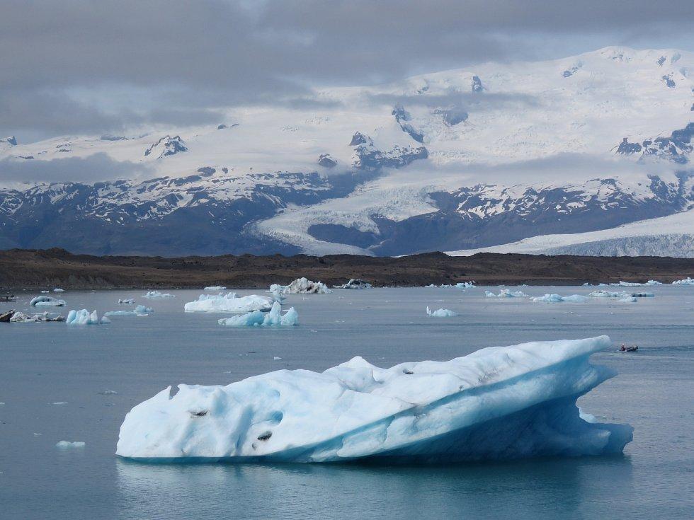 Největším evropským národním parkem je islanský Vatnajökull. Rozkládá se na stejnojmenném ledovci.