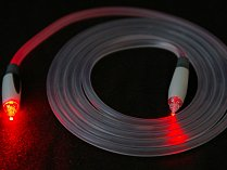 Optické kabely přenášejí data v podobě světla.