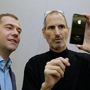 Ruský prezident Dmitrij Medveděv a Steve Jobs, spoluzakladatel firmy Apple