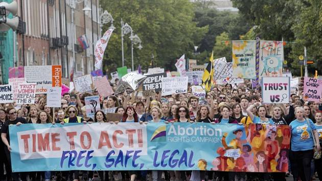 Demonstrace za právo žen na potrat v irském Dublinu