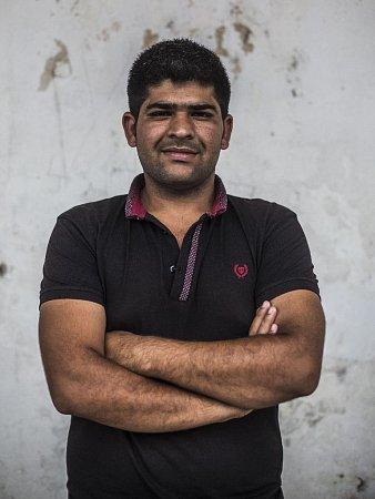 Majetek 27letého Pákistánce Saifa se dnes vejde do jedné igelitky. VBělé pod Bezdězem si pobyl dva měsíce. Míří sice do Německa, ale ví, že ani tam ho štěstí čekat nemusí.