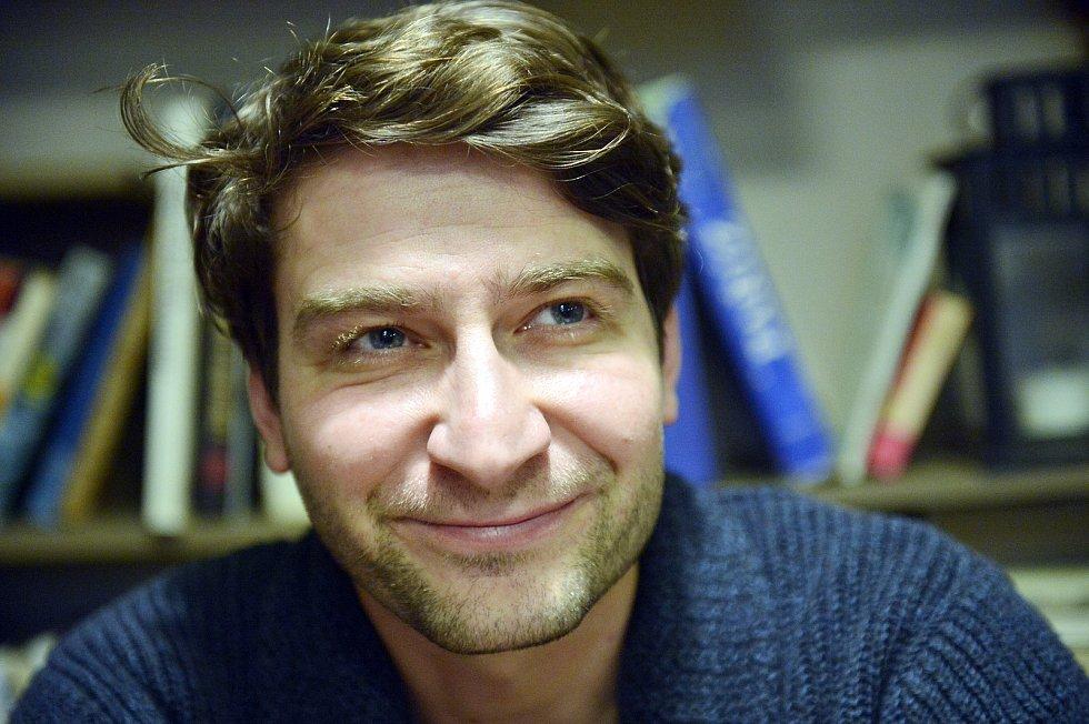 Herectví studoval na pražské DAMU, kde později čtyři roky vyučoval obor herectví na katedře činoherního divadla.