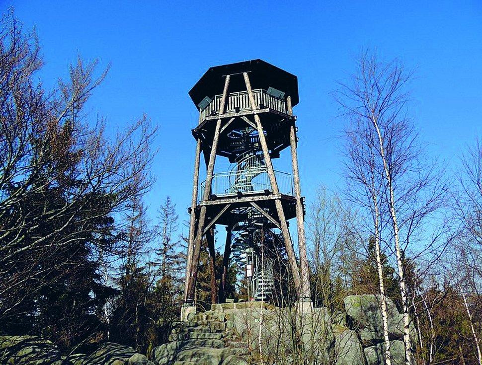 Nejvyšším vrcholem Adršpašsko-teplických skal je pískovcový vrch Čáp, na kterém stojí stejnojmenná rozhledna.