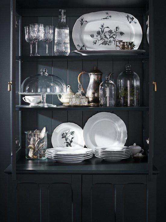 Setem UPPLAGA, který nabízí IKEA, snadno nahradíte chybějící talíře ze setu po babičce.
