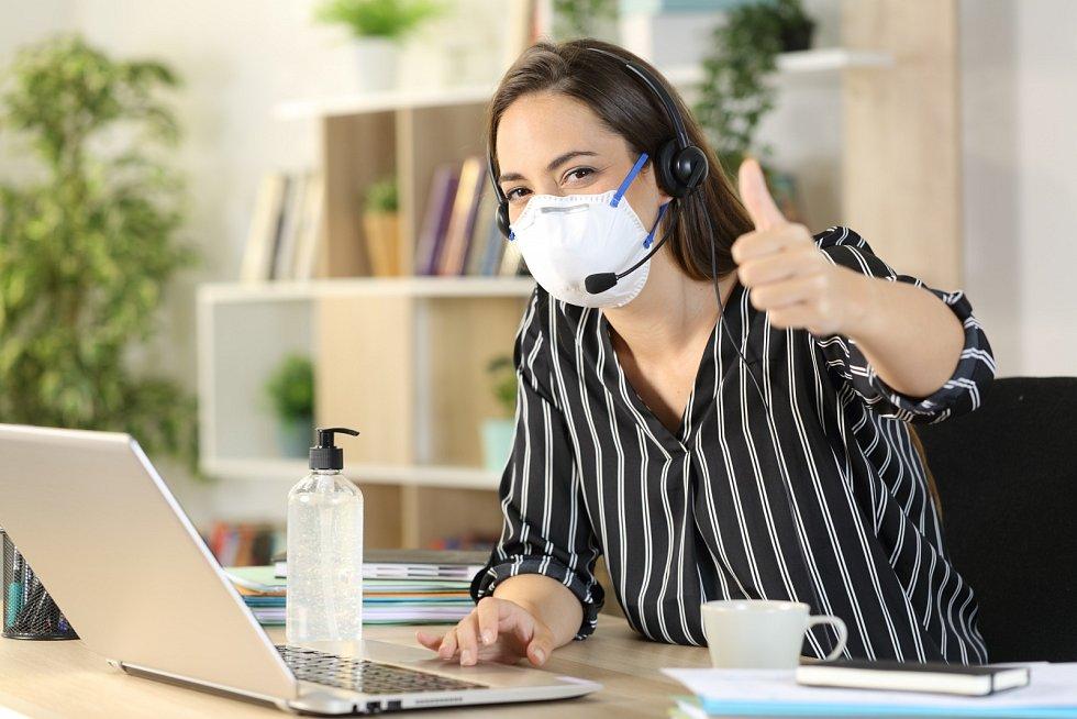 Ačkoliv vláda zatím nevyhlásila přímo celostátní karanténu, opatření proti druhé vlně pandemie covidu-19 značně omezila život lidí.