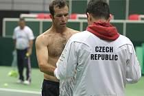 Radek Štěpánek (vlevo) na tréninku daviscupového týmu.