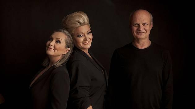 Tvůrčí trio. Bára Basiková, Michal Horáček a Naďa Válová.