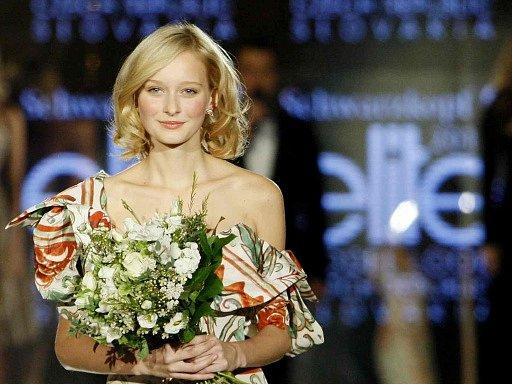 Vítězkou finále Elite model look se stala Silvia Jagošová za Slovenskou republiku a Adéla Martýnková (na snímku) za Českou republiku.
