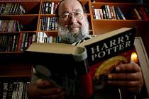 Překladatel příběhů Harryho Pottera Pavel Medek.