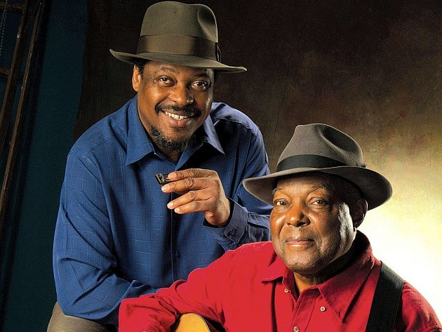 BLUESMANI. Duo Cephas & Wiggins je spolu s Joem Louisem Walkerem hlavnim tahounem dvanacteho rocniku festivalu BluesAlive