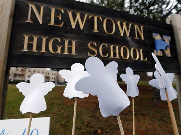 Střelec povraždil 26 dětí a dospělých ve škole v Connecticutu. Mrtvým dětem bylo šest a sedm let.