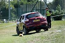 V Newcastlu najelo auto do lidí.