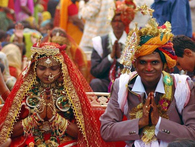 Indický svatební obřad bývá ve znamení pestrých barev. Ilustrační foto