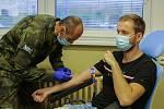 Krev a plazmu darovali také vojáci ze Strakonic