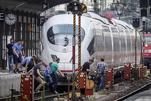Neštěstí na nádraží ve Frankfurtu