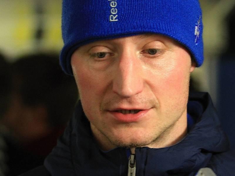 Zástupce ředitelky pro sportovní přípravu a bývalý  profesionální extraligový hokejista Jiří Kuchler.