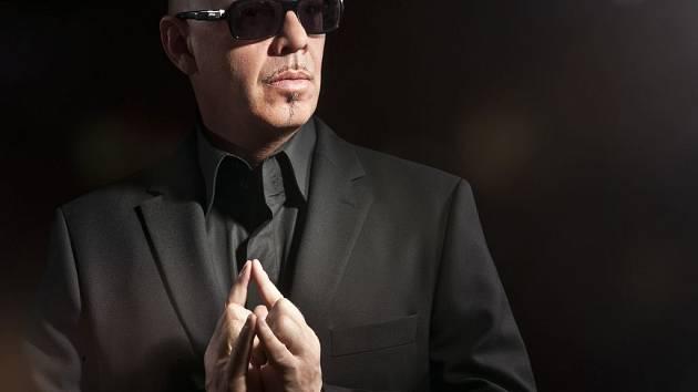 Ota Klempíř z J.A.R. vystoupil ze stínu domovské kapely a natočil debutové album Špička. K písni z něj, My Life, zvnikl pozoruhodný klip.