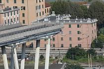 Zřícený most Ponte Morandi v italském Janově.