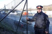 Už před koncem minulého roku Rakušané začali stavět plot na hranici se Slovinskem, kudy proudily tisíce běženců na své trase do Německa a do Švédska.