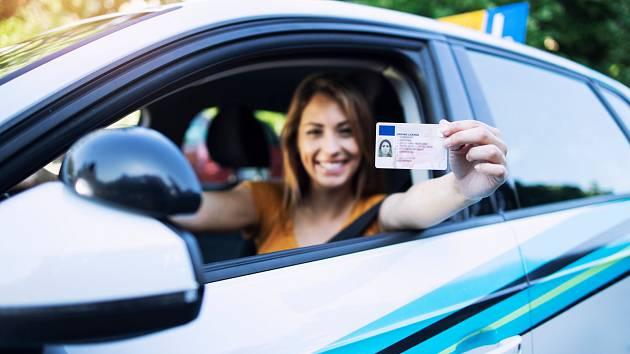 Pro kontroly řidičů bez nutnosti předkládání řidičského průkazu je ještě třeba udělat hodně práce.