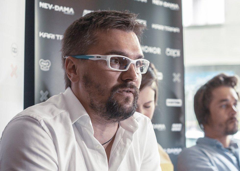 Marek Jelínek, trenér Evy Samkové