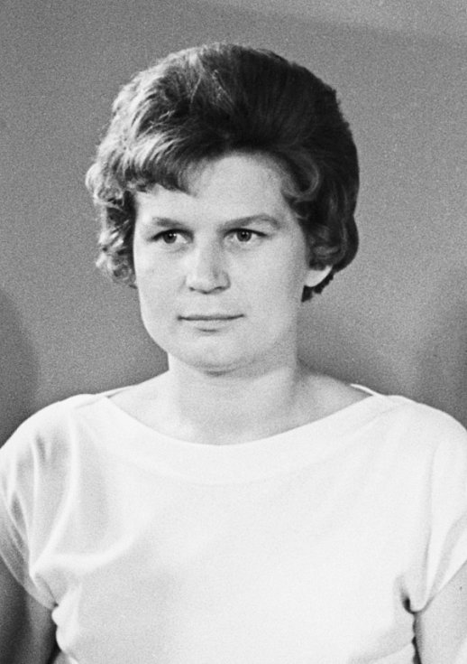 Valentina Tereškovová se stala první ženou, která se dostala na oběžnou dráhu Země. V kosmu strávila téměř tři dny.