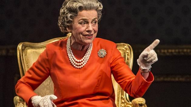 Iva Janžurová při generální zkoušce Audience u královny, uváděnou Činohrou Národního divadla, 18. března v pražském Stavovském divadle.