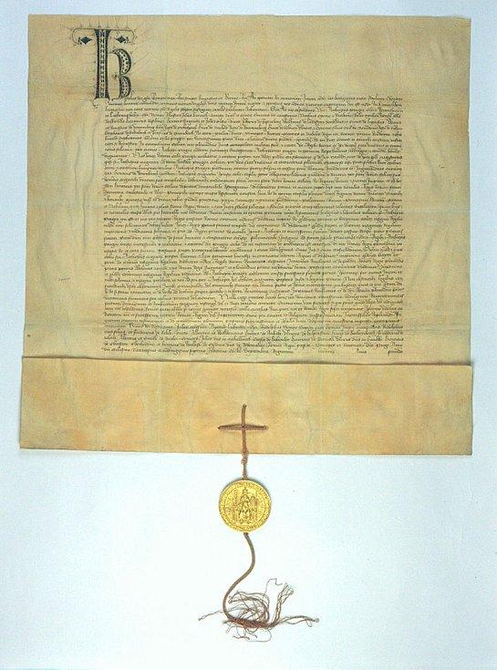Listina Karla IV. pražskému arcibiskupovi, ve které mu uděluje privilegium korunovat české krále