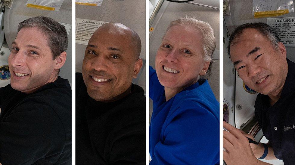 Posádka mise Crew-1. Zleva: velitel mise Michael Hopkins (NASA), pilot Victor Glover (NASA), letová specialistka Shannon Walkerová (NASA), astronaut Japonské vesmírné agentury (JAXA) Soichi Noguchi.