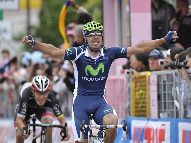 Francisco Ventoso se raduje z vítězství v etapě Giro d'Italia.
