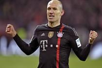 Opora Bayernu Mnichov Arjen Robben nechybí v jedenáctce roku UEFA.