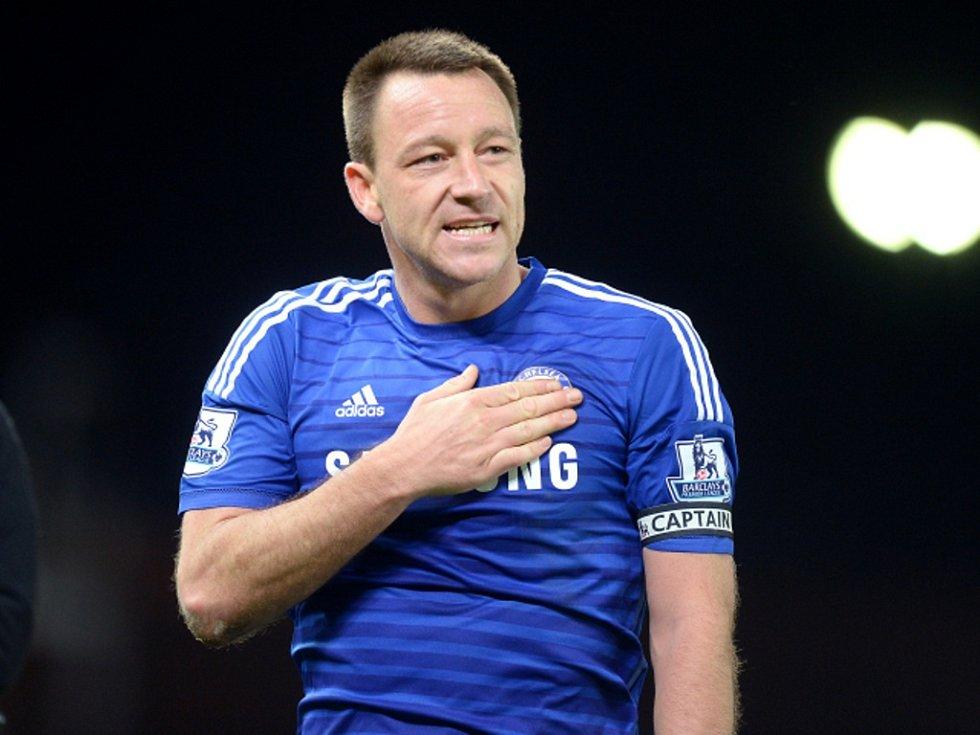 Ikona Chelsea John Terry se raduje z vítězství nad Stoke.