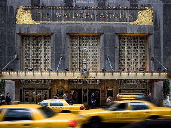 Newyorský hotel Waldorf Astoria.