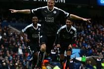 Leicester dál vládne Premier League