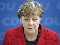 Kancléřka Angela Merkelová  si je vědoma obav z rostoucího antisemitismu mezi arabskými běženci.