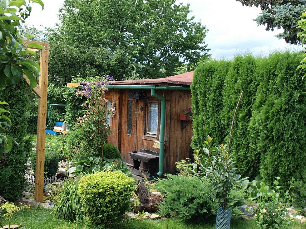 Zahradní chatka v královéhradecké osadě Rozkvět Míru.