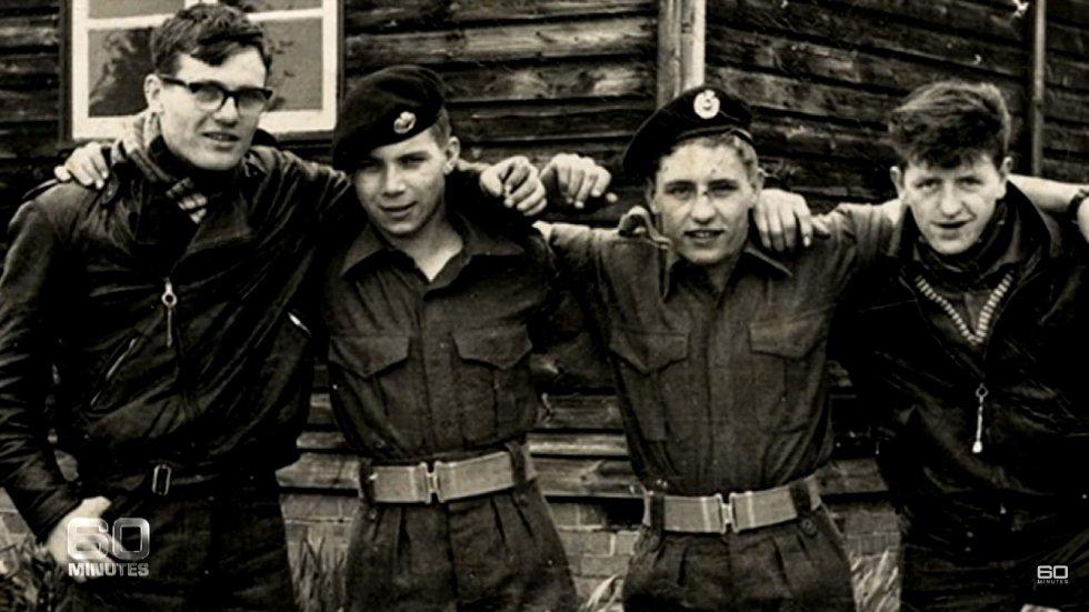 Někteří z členů motorkářského gangu prošli vojenským výcvikem ve Skotsku, ale chyběla jim disciplína