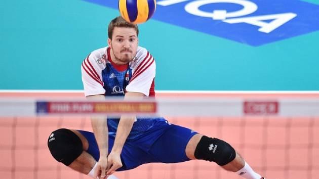 LIBERO ČÍSLO ...(?) O pozici jedničky usiluje v české volejbalové reprezentaci Daniel Pfeffer.
