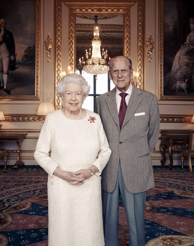 Alžběta II. a princ Philip slaví platinovou svatbu