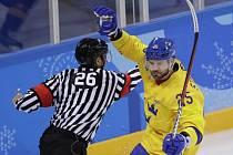 Švédové (ve žlutém) porazili Němce těsně 1:0.