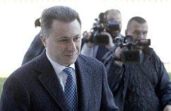 Bývalý makedonský premiér Nikola Gruevski přichází k trestnímu soudu ve Skopje.